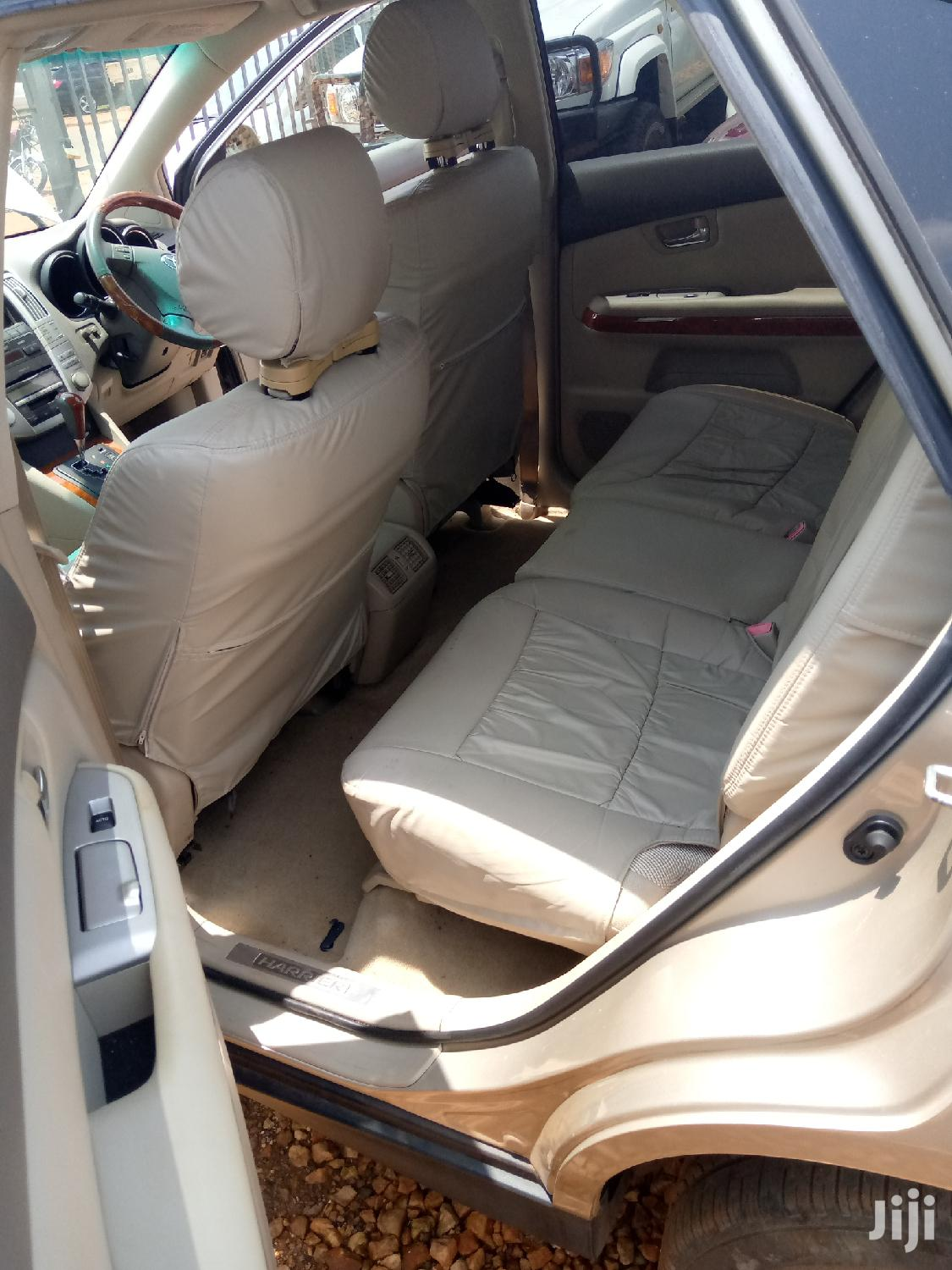 Archive: Toyota Harrier 2005 Gold