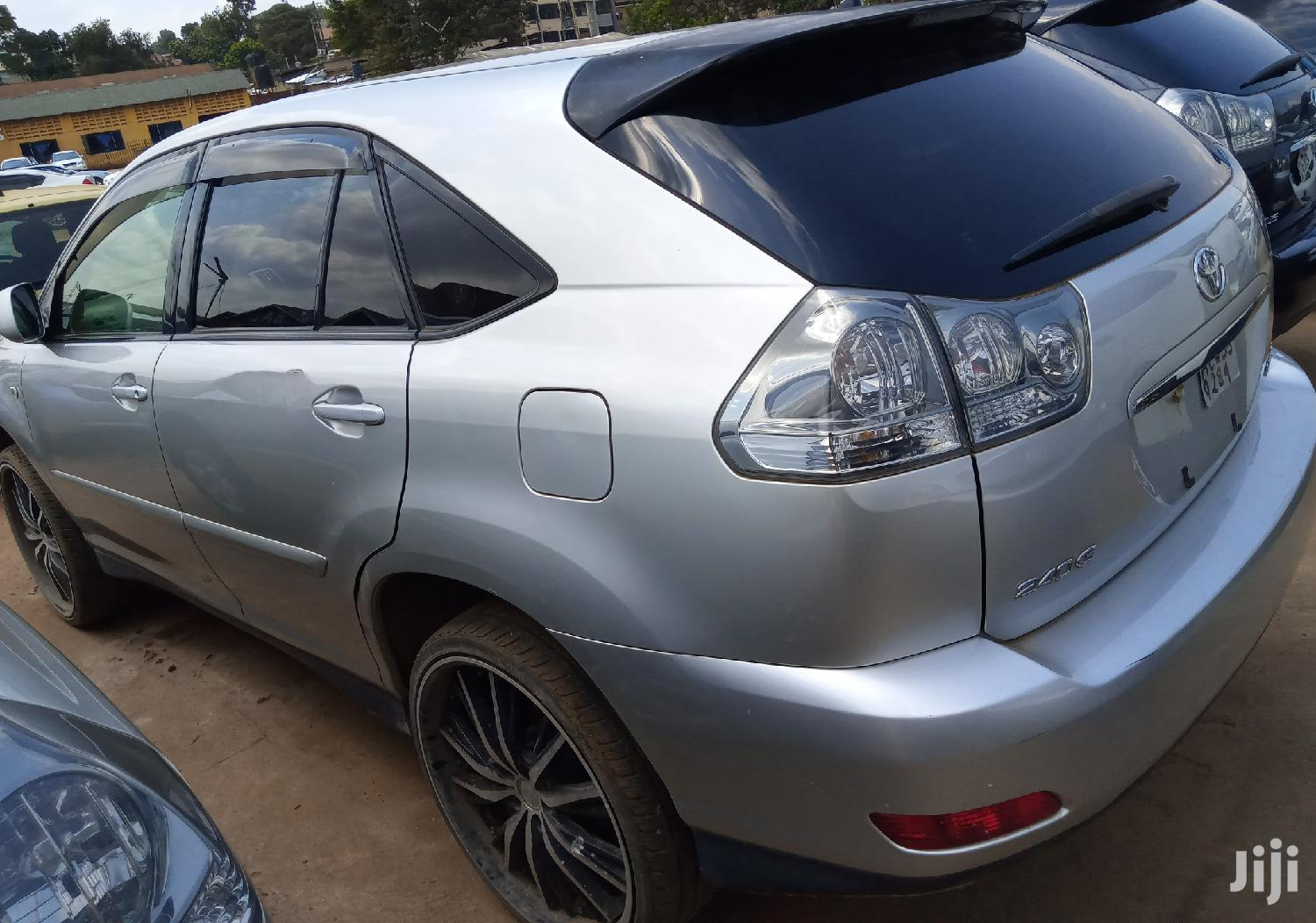 Archive: New Toyota Harrier 2007 Silver