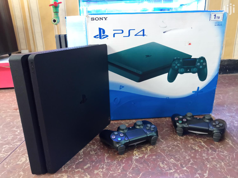 Brand New Playstation 4 Slim Standard Edition Fullest