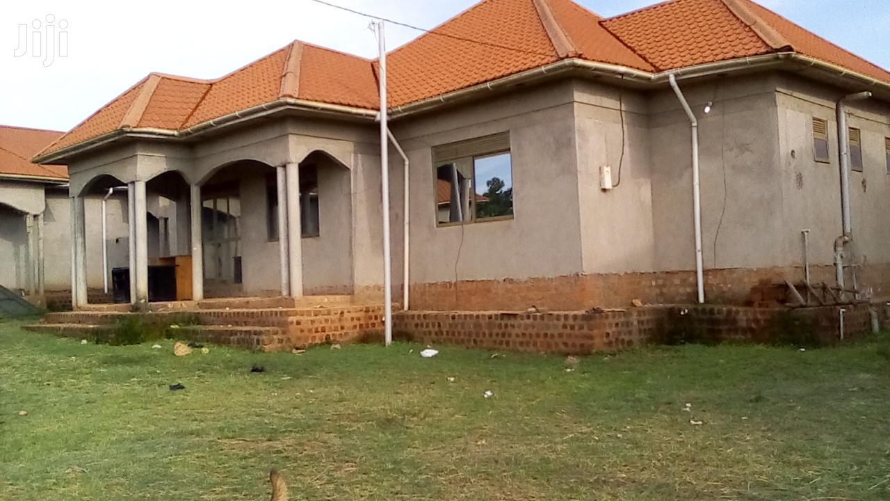 3 Bedrooms Bungalow For Sale In Gayaza Manyangwa