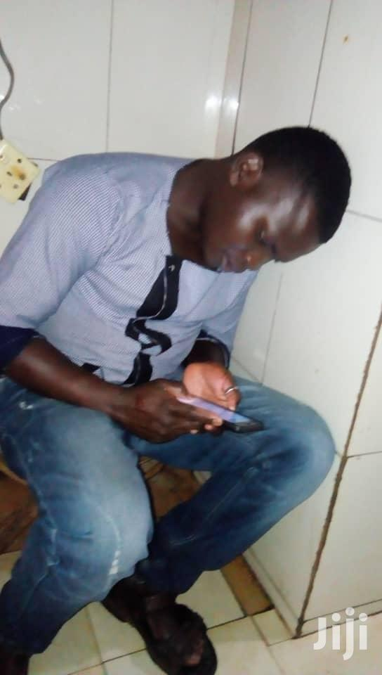 Am Looking For Ajob As Achef