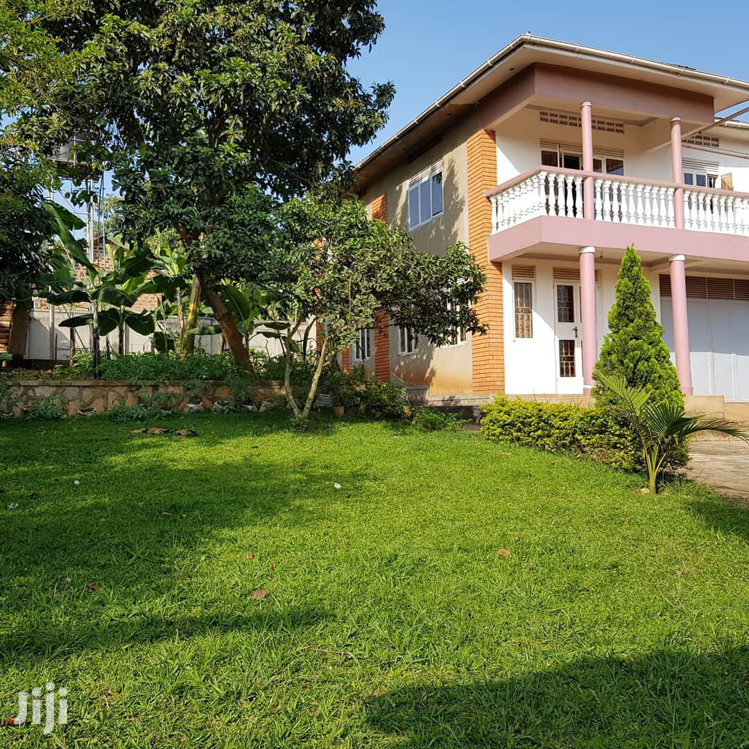 Four Bedrooms Flat on Sale: Masaka Road-Nabingo