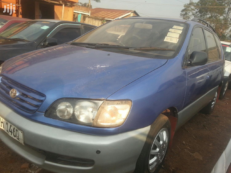 Toyota Ipsum 1999 Blue