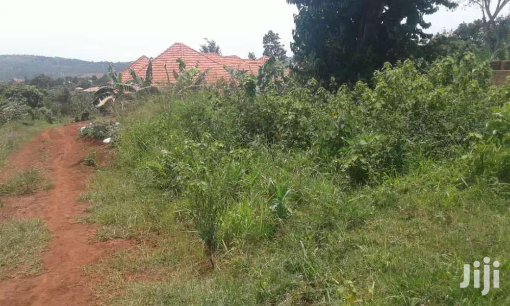 Full Acre On Quick Sale In Kitende Kitovu Very Give Away Prices Title