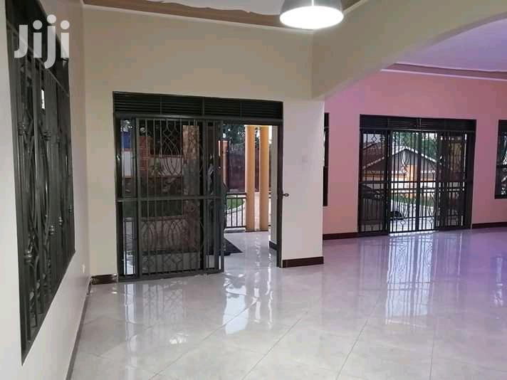 Four Bedroom House In Kitende For Sale | Houses & Apartments For Sale for sale in Kampala, Central Region, Uganda