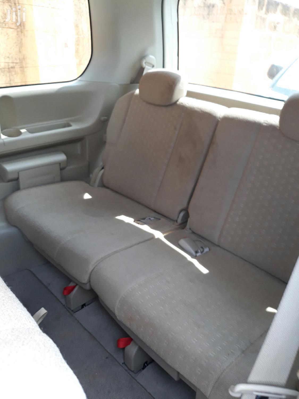 New Nissan Serena 2005 White | Cars for sale in Kampala, Central Region, Uganda